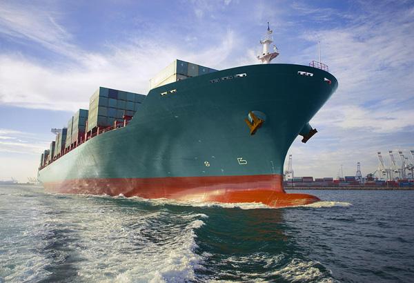 Schiff bei Hamburg